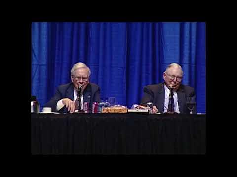 Warren Buffett & Charlie Munger: The Best Ways a 10-Year-Old Can Earn Money